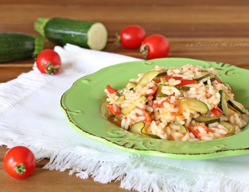 Risotto con zucchine e pomodori