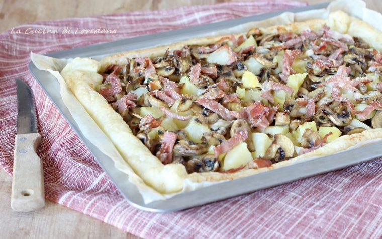 Torta salata con funghi, patate e speck