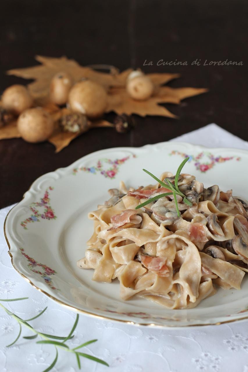 tagliatelle di castagne con funghi