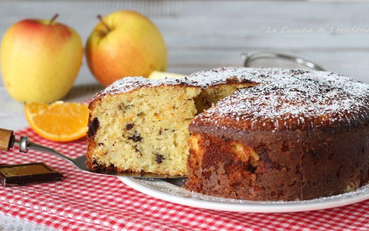 Torta di mele con arancia e cioccolato