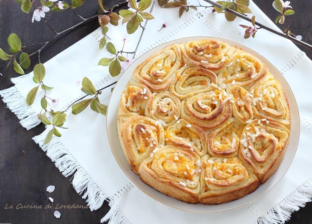 torta di rose con marmellata