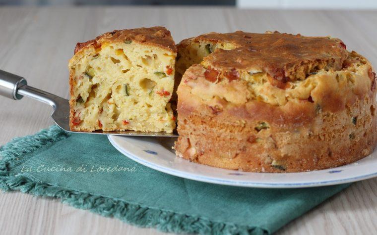 Torta salata con zucchine e peperoni