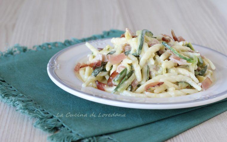 Trofie con speck e zucchine