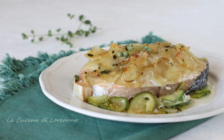 Salmone con zucchine e patate