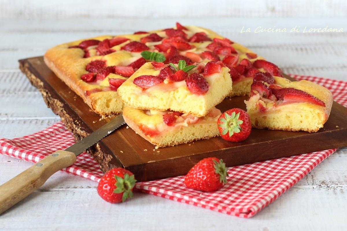 torta di mele e fragole