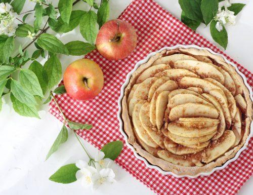 Crostata con mele e amaretti