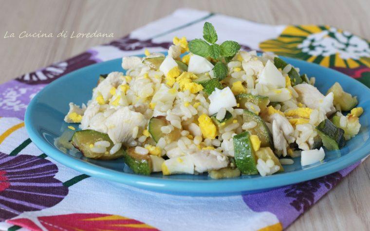 Insalata di riso con pollo e zucchine
