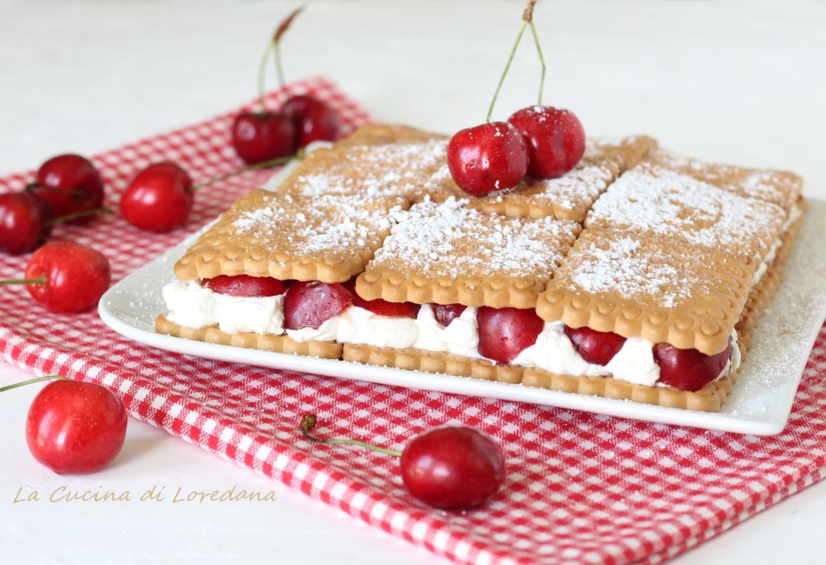 torta di biscotti con ciliegie