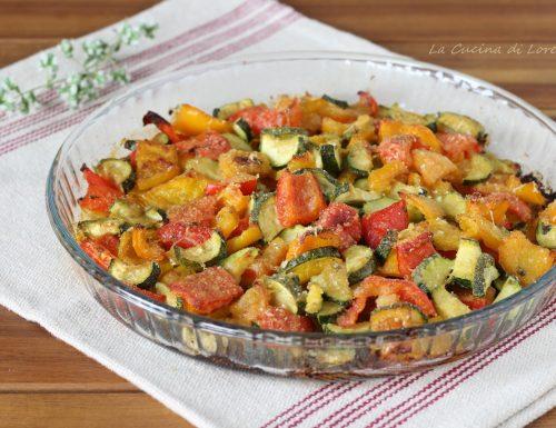 Zucchine e peperoni gratinati in forno
