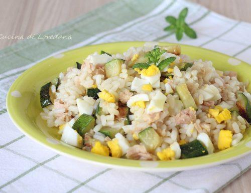 Insalata di riso con tonno e zucchine