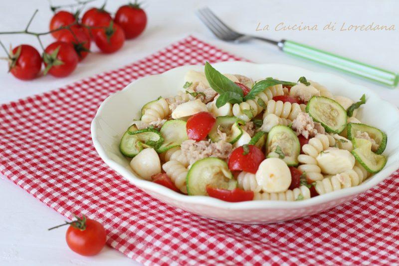 pasta fredda con zucchine e mozzarella