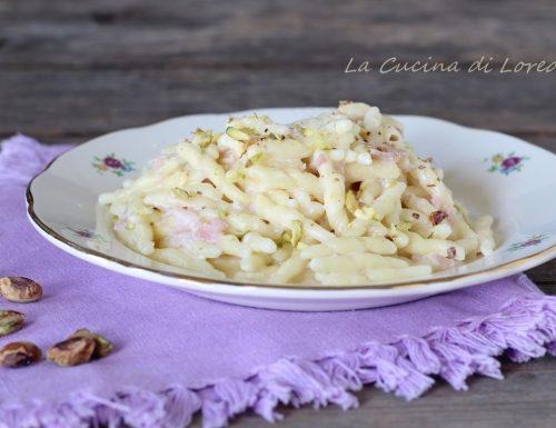 Trofie con crema di prosciutto e pistacchi