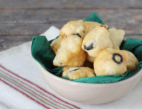 Pettole con olive e acciughe