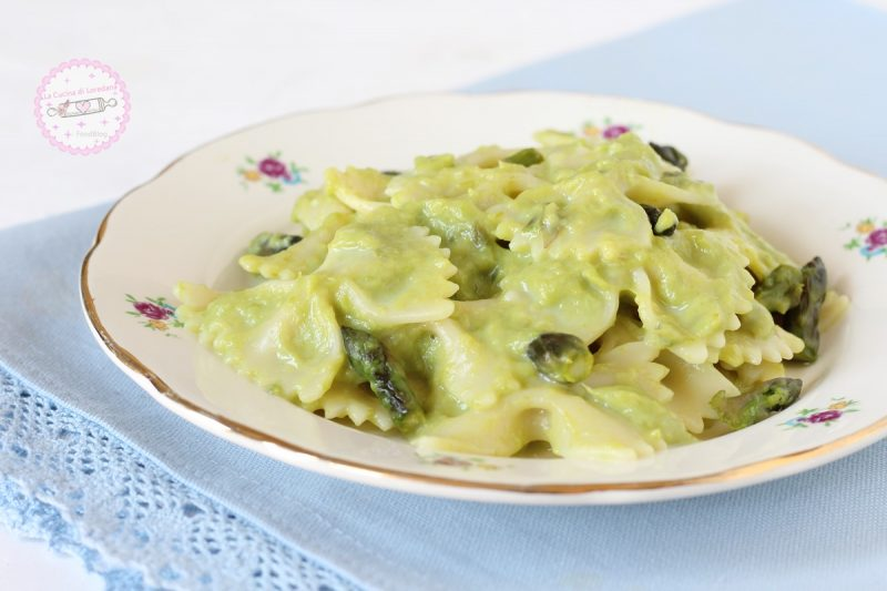 pasta con crema di asparagi
