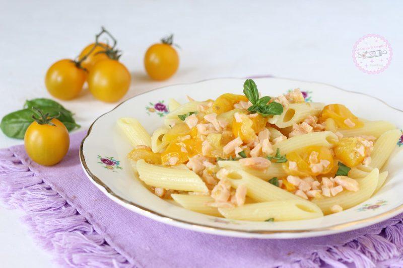 pasta con pomodorini e salmone