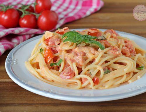 Pasta con pomodorini cremosa
