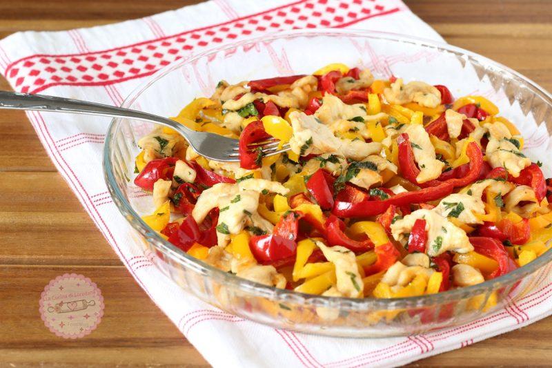 pollo con peperoni al forno