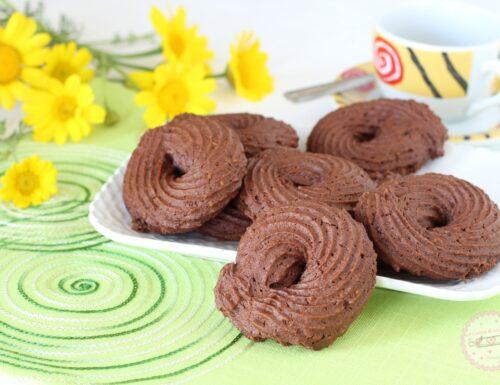Biscotti al cioccolato e arancia con farina di ceci