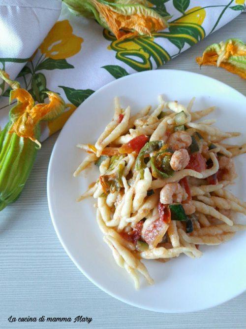 Trofie con zucchine gamberetti e fiori di zucca_2