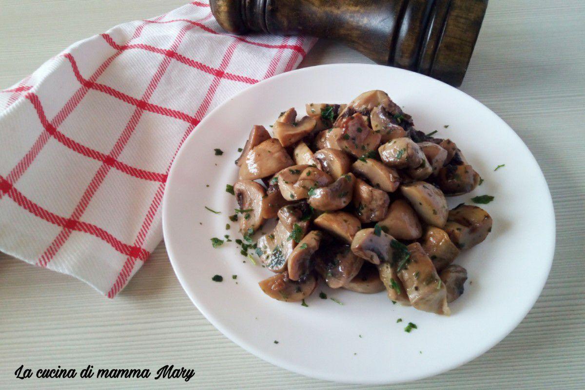 Funghi champignon trifolati al forno