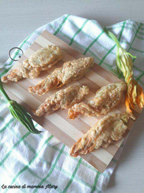 Fiori di zucca in pastella ripieni di prosciutto e provola_2