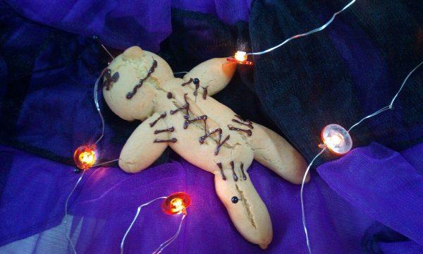 Biscotto bambolina woodoo di Halloween
