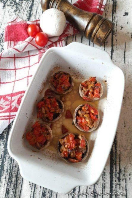 Funghi champignon ripieni di pomodorini_2