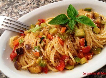 Spaghetti deliziosi del contadino
