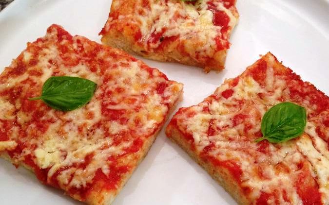 Tranci morbidissimi di pizza margherita
