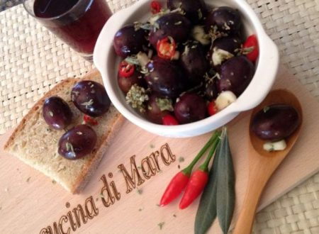 Olive nere intaccate