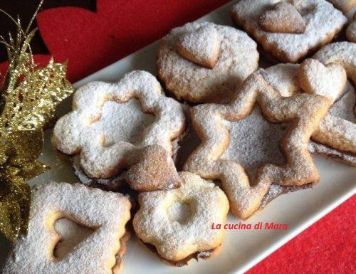 Biscotti di pasta frolla e nutella