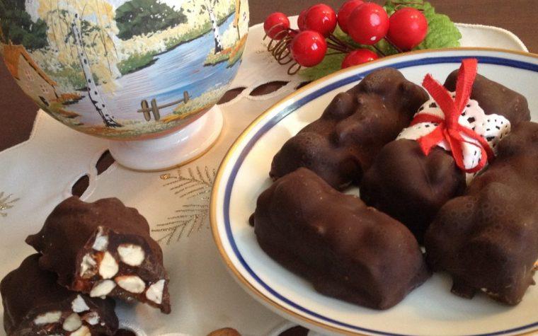 Torroni alle mandorle e cioccolato