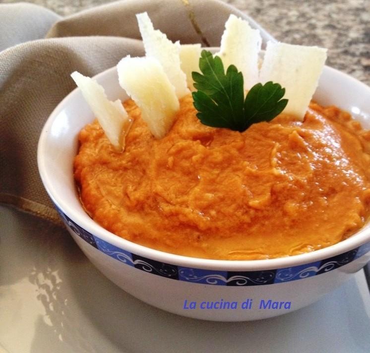 Zuppa saporita di patate e fagioli borlotti