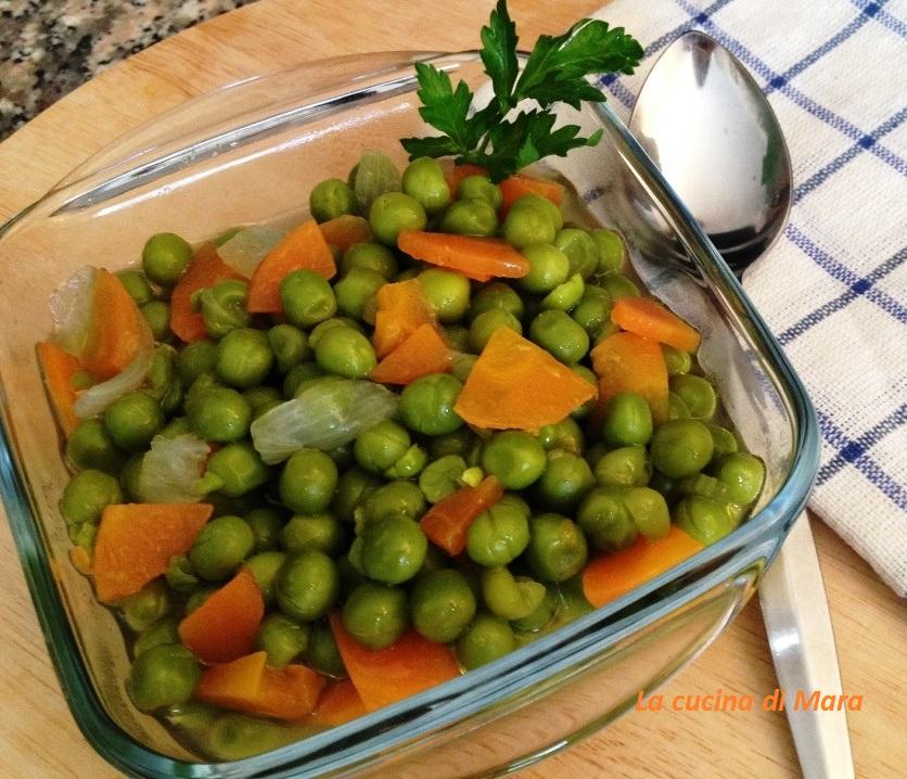Piselli, carote e cipollotti in umido