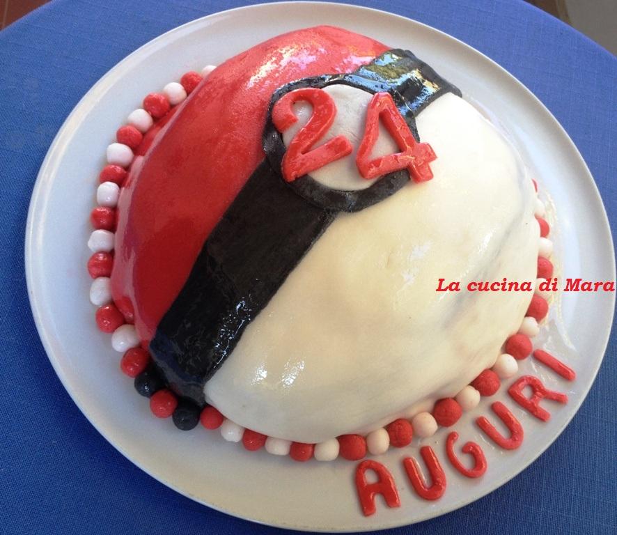 Torta Pokemon con pasta di zucchero
