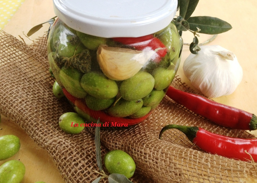 Olive in salamoia: ricetta antica calabrese