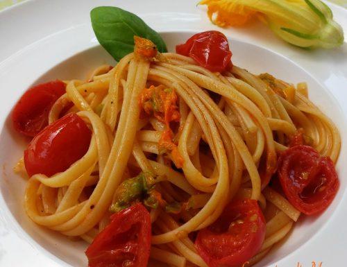 Linguine con pomodorini e fiori di zucca