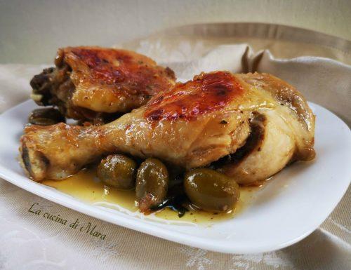 Pollo con cipolle e olive
