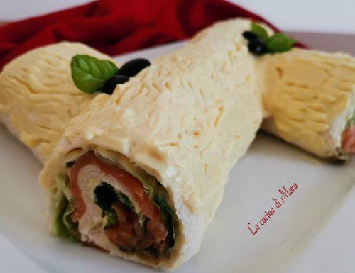 Tronchetto salato con salmone e maionese