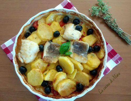Baccalà al forno con patate e olive