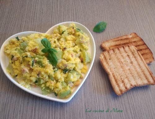 Zucchine e patate con uova strapazzate