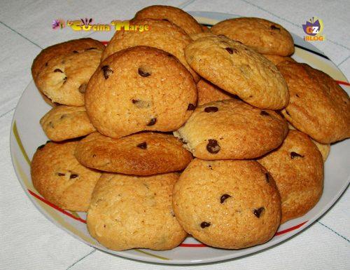 Biscotti con gocce di cioccolato,ricetta biscotti semplici
