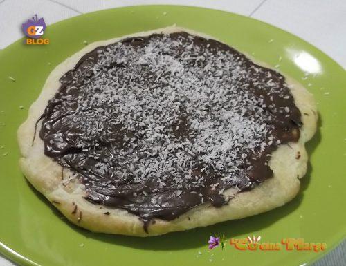 Pizza con Nutella e cocco