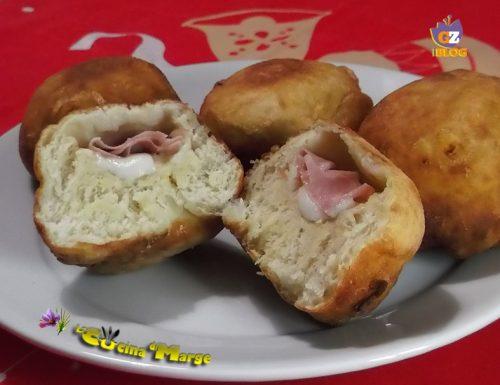 Krapfen salati con patate e scamorza