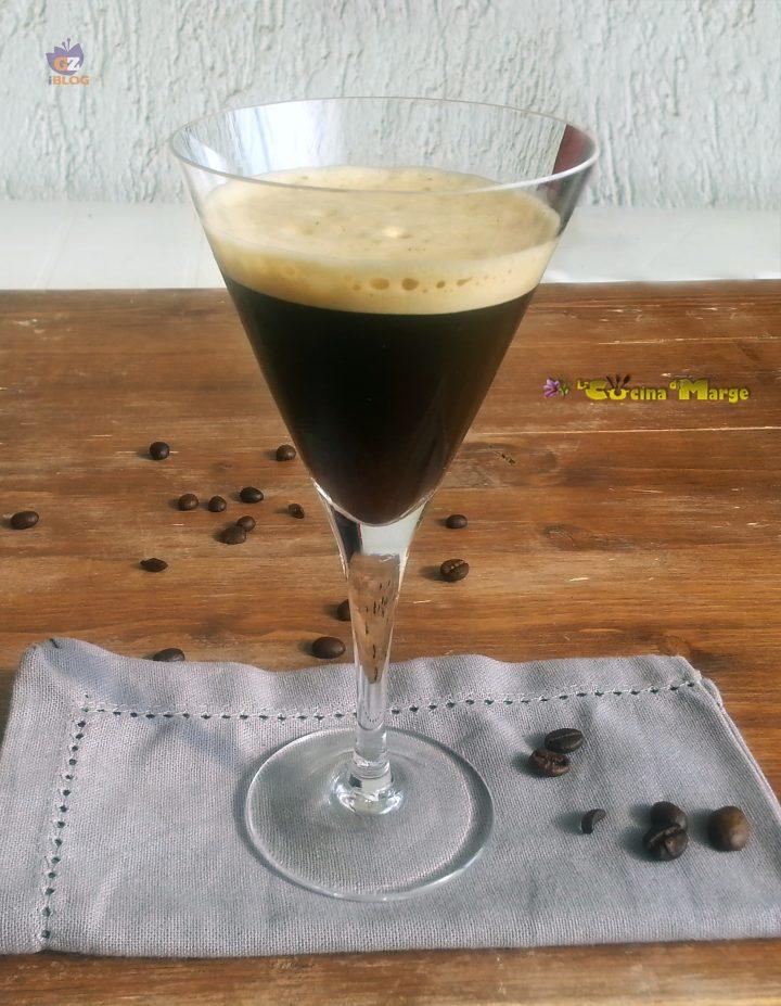 CAFFE'  SHAKERATO CON E SENZA SHAKER