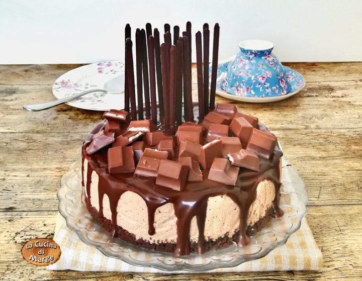 CHEESECAKE DRIP CAKE AL CIOCCOLATO