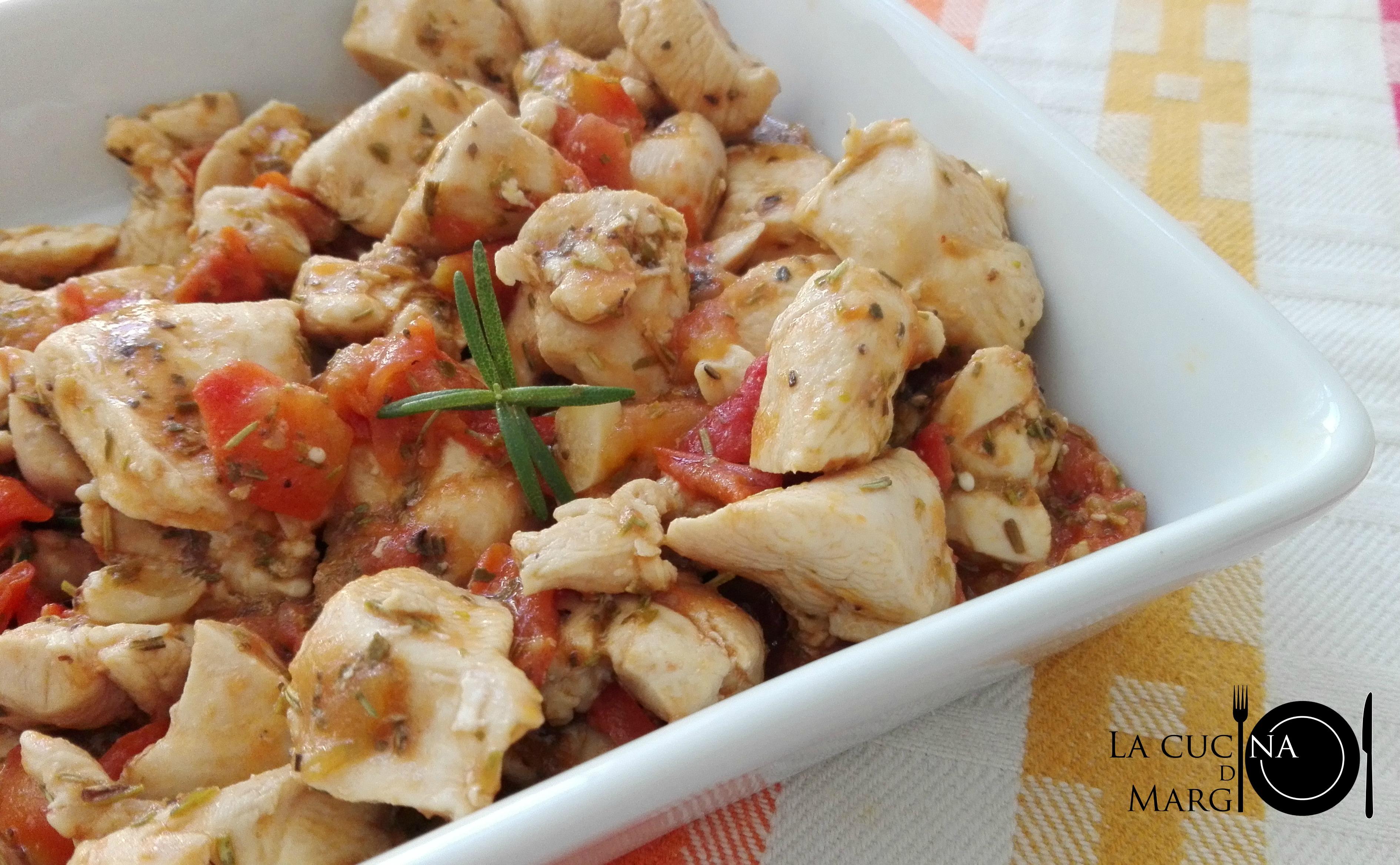 Bocconcini di pollo con pomodorini