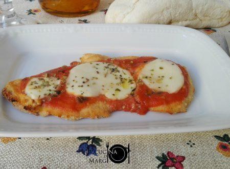 Fettine al forno con mozzarella e pomodoro