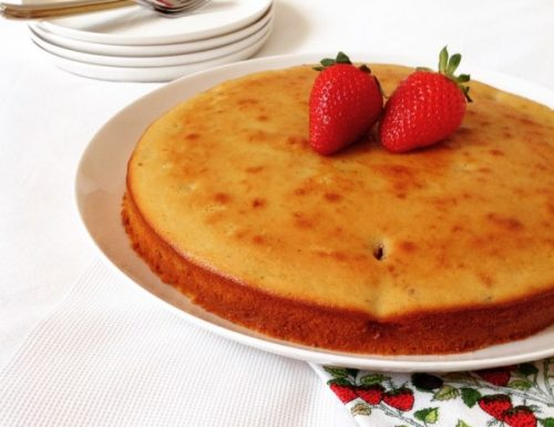 Cake allo yogurt e fragole