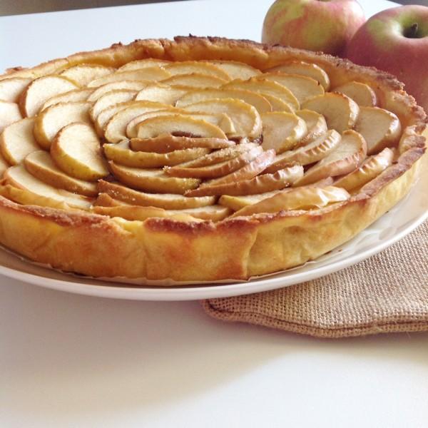 Crostata di mele e amaretti